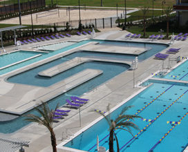 overhead view of outdoor pool and leisure river